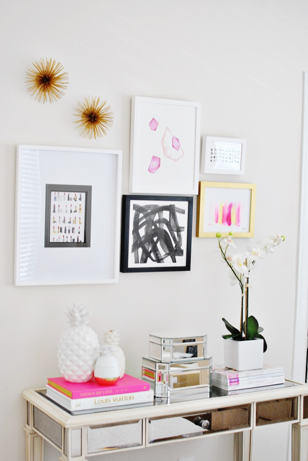 5 Minute Gallery Wall | Chronicles of Frivolity