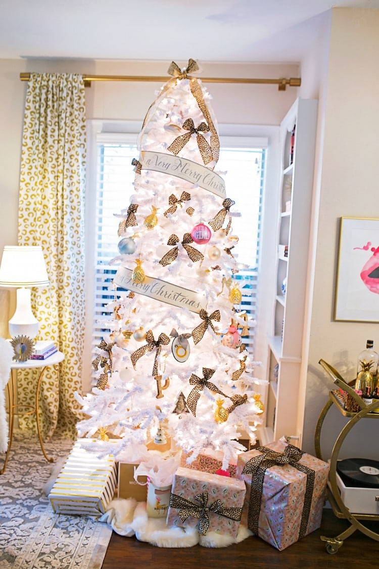 Christmas Decor & Holiday Movies
